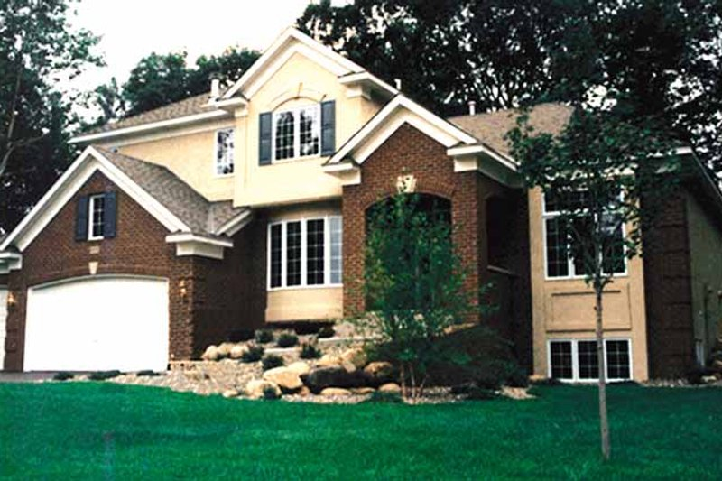 Traditional Exterior - Front Elevation Plan #51-915 - Houseplans.com