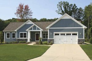 Craftsman Exterior - Front Elevation Plan #928-164