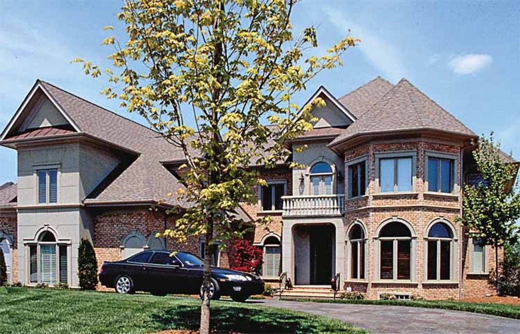 Traditional style house plan 5 beds 5 5 baths 7505 sq ft for New american style homes