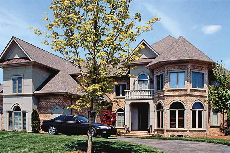 Dream House Plan - Traditional Exterior - Front Elevation Plan #453-196