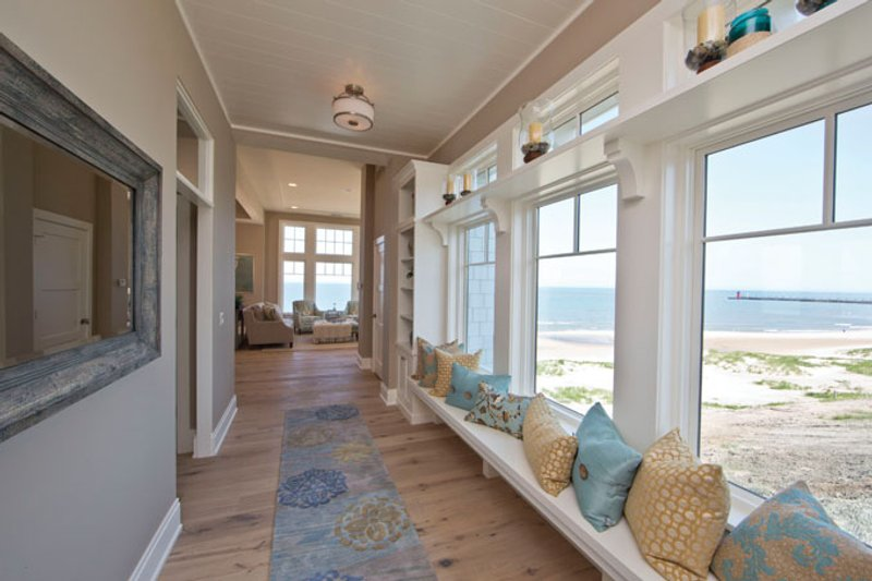 Craftsman Interior - Entry Plan #928-268 - Houseplans.com