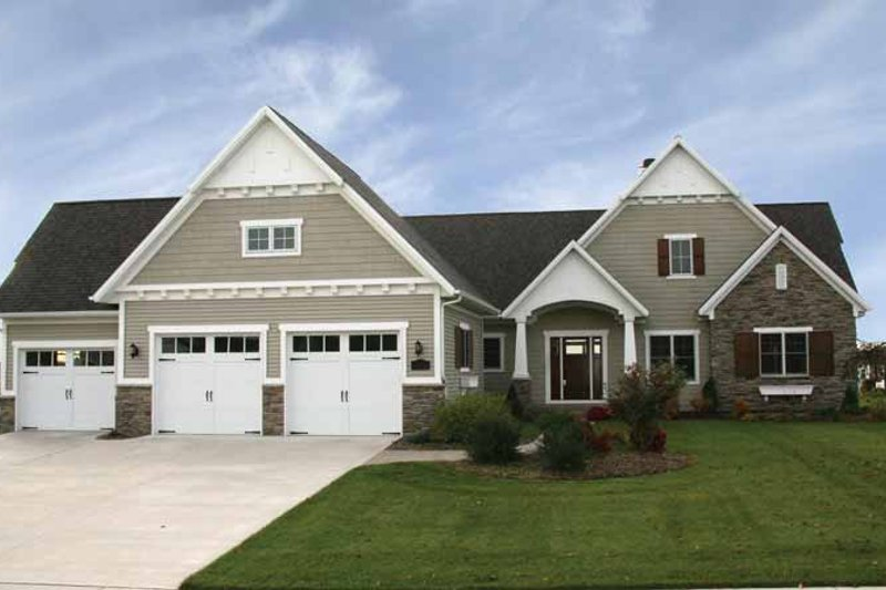 House Plan Design - Craftsman Exterior - Front Elevation Plan #928-91