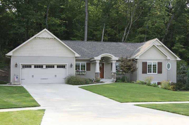 House Plan Design - Craftsman Exterior - Front Elevation Plan #928-134