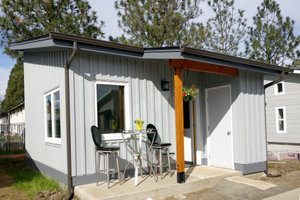 Cottage Exterior - Front Elevation Plan #890-9