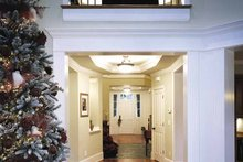 Craftsman Interior - Entry Plan #132-351
