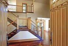 Contemporary Interior - Entry Plan #951-2