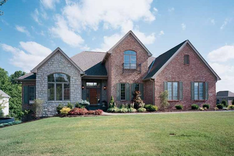 Traditional Exterior - Front Elevation Plan #46-529 - Houseplans.com