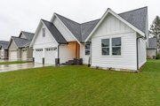 Farmhouse Style House Plan - 4 Beds 3 Baths 2283 Sq/Ft Plan #1070-97 Exterior - Front Elevation