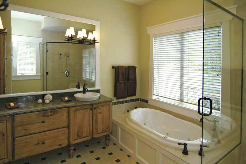 European Interior - Master Bathroom Plan #928-42 - Houseplans.com