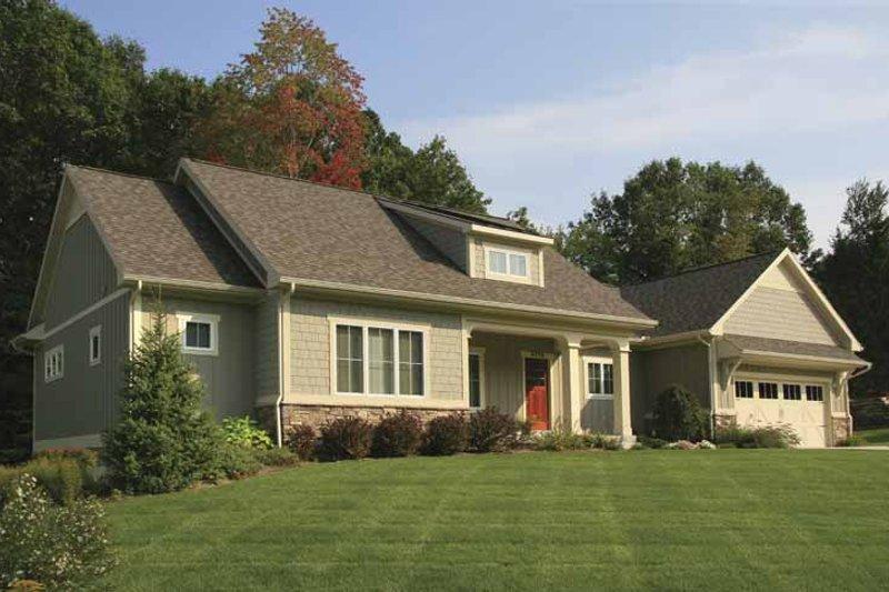 Craftsman Exterior - Front Elevation Plan #928-132 - Houseplans.com