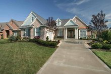 Ranch Exterior - Front Elevation Plan #46-761