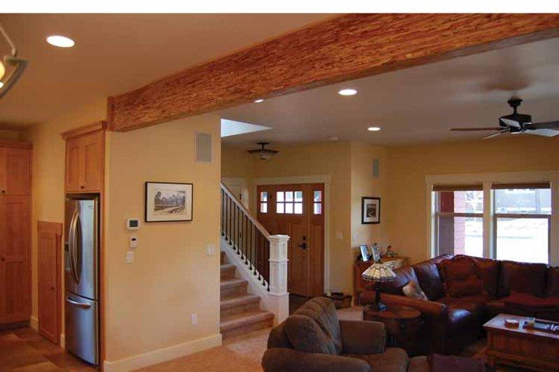Prairie Interior - Entry Plan #895-69 - Houseplans.com