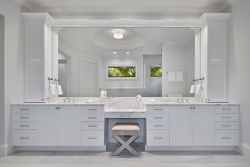 Mediterranean Interior - Master Bathroom Plan #1017-159 - Houseplans.com