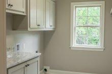 Craftsman Interior - Laundry Plan #430-152
