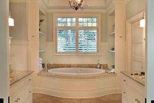 House Plan Design - Craftsman Interior - Master Bathroom Plan #928-176