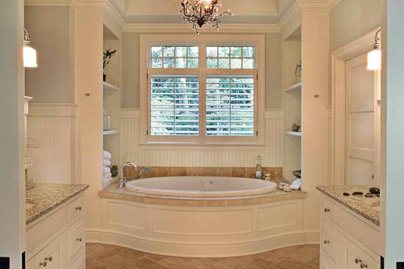 Craftsman Interior - Master Bathroom Plan #928-176 - Houseplans.com