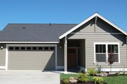 Craftsman Style House Plan - 3 Beds 2 Baths 1520 Sq/Ft Plan #895-35 Exterior - Front Elevation