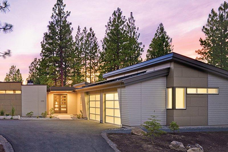 Contemporary Exterior - Front Elevation Plan #892-18 - Houseplans.com