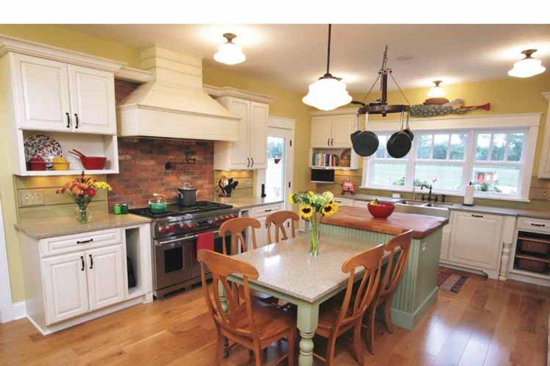 Craftsman Interior - Kitchen Plan #928-39 - Houseplans.com
