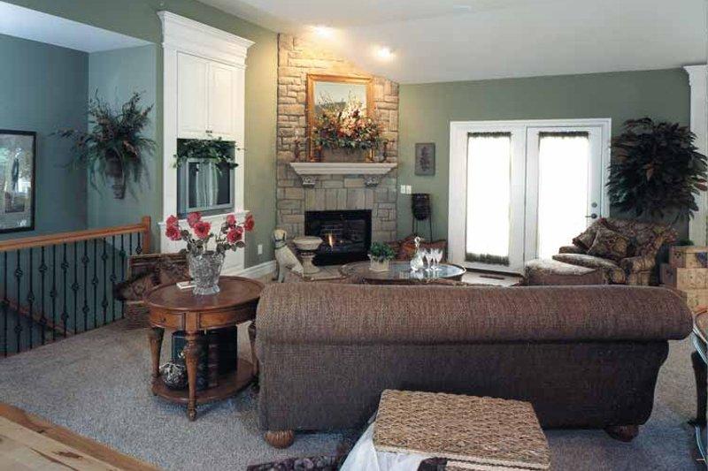 Bungalow Interior - Family Room Plan #46-729 - Houseplans.com