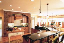 Colonial Interior - Kitchen Plan #927-393
