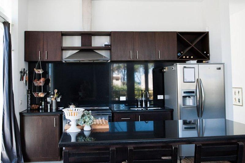 Contemporary Interior - Kitchen Plan #64-304 - Houseplans.com