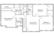 Traditional Floor Plan - Upper Floor Plan Plan #1060-32