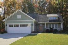 Craftsman Exterior - Front Elevation Plan #928-138