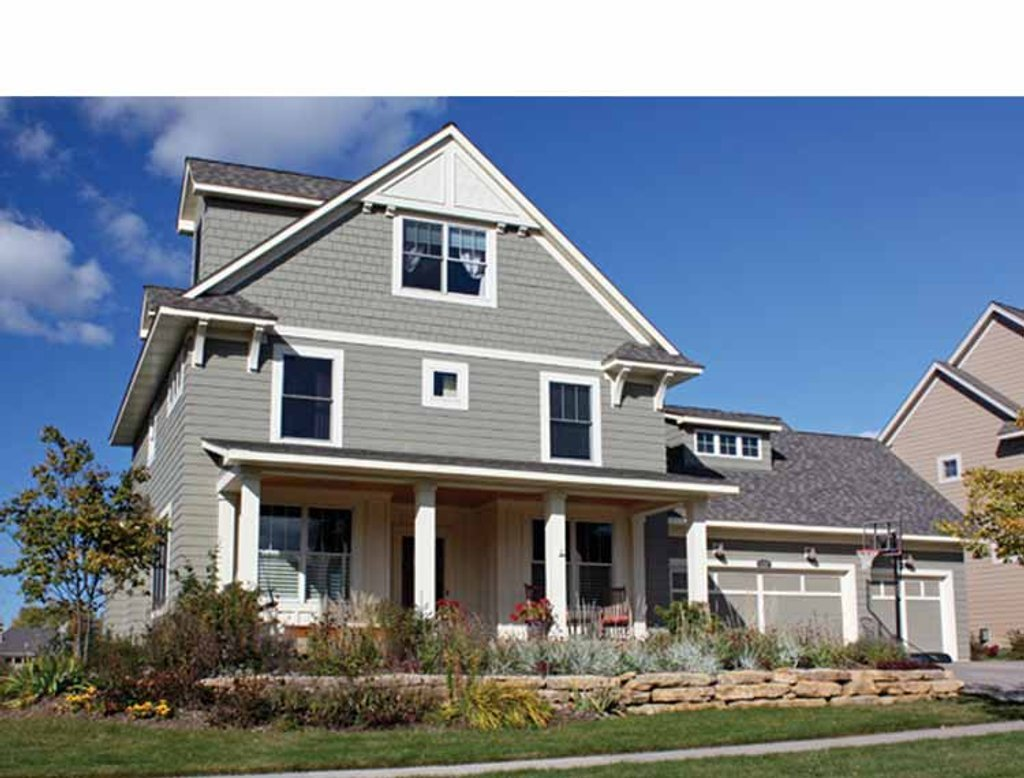 Traditional Style House Plan - 5 Beds 3.5 Baths 3330 Sq/Ft