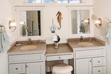 Craftsman Interior - Master Bathroom Plan #929-905