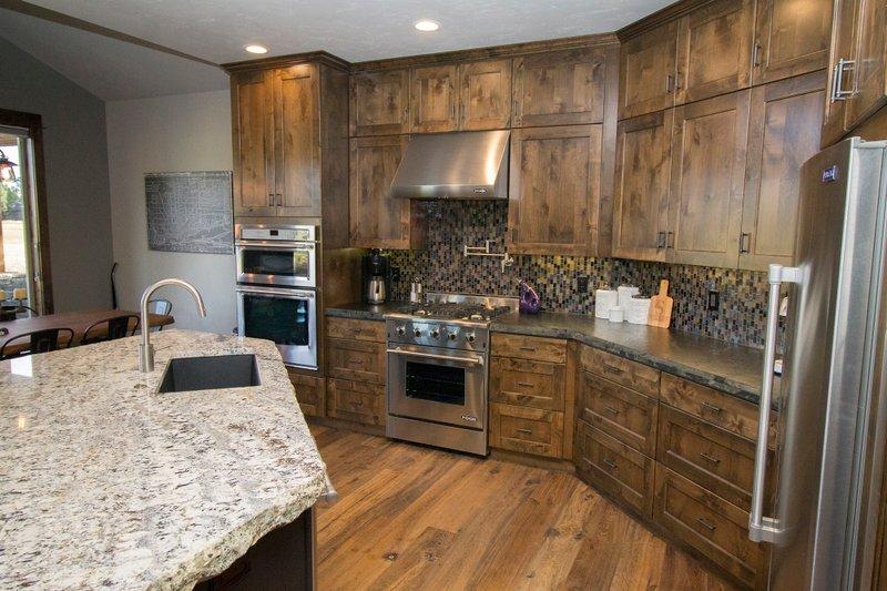 Craftsman Interior - Kitchen Plan #892-11 - Houseplans.com