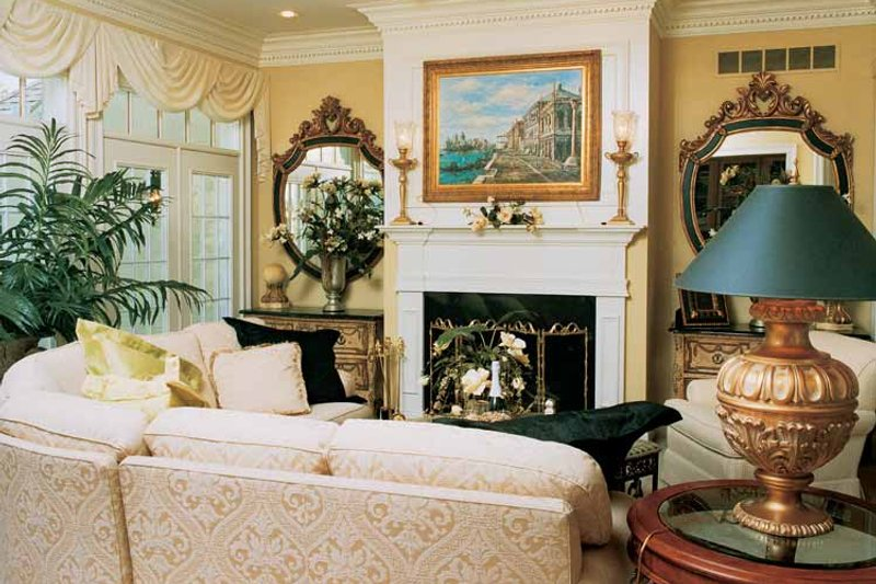 Traditional Interior - Family Room Plan #46-567 - Houseplans.com