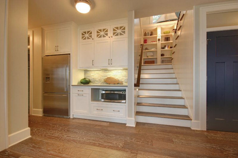 Craftsman Interior - Entry Plan #928-252 - Houseplans.com