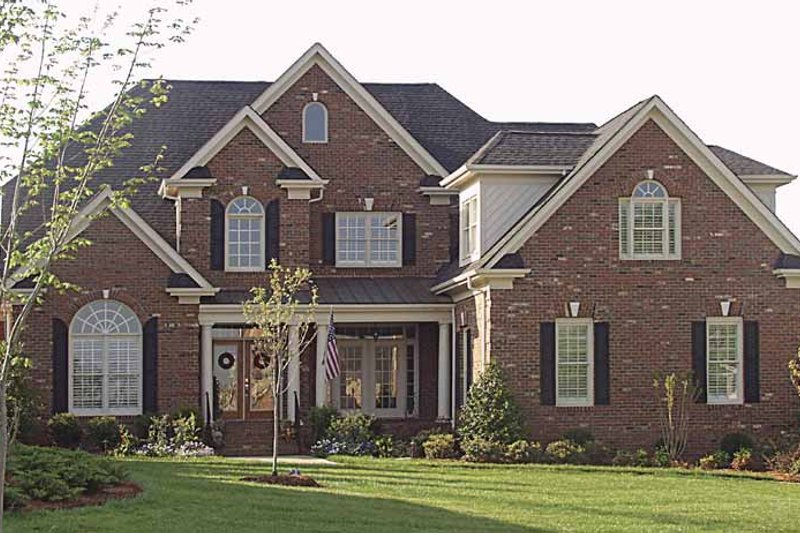 Dream House Plan - Traditional Exterior - Front Elevation Plan #453-308