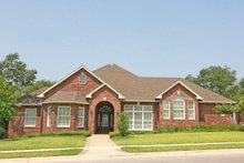 House Plan Design - Traditional Exterior - Front Elevation Plan #80-195