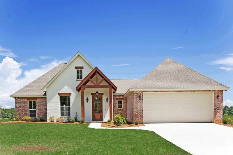 Southern Style House Plan - 4 Beds 2 Baths 1875 Sq/Ft Plan #430-183 Exterior - Front Elevation