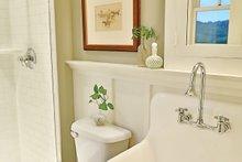 Craftsman Interior - Bathroom Plan #927-5