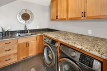 Craftsman Interior - Laundry Plan #1070-15