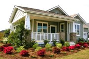 Craftsman Style House Plan - 3 Beds 2 Baths 1451 Sq/Ft Plan #461-54 Exterior - Front Elevation