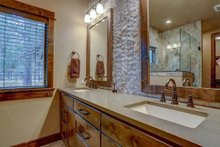 Craftsman Interior - Master Bathroom Plan #892-29