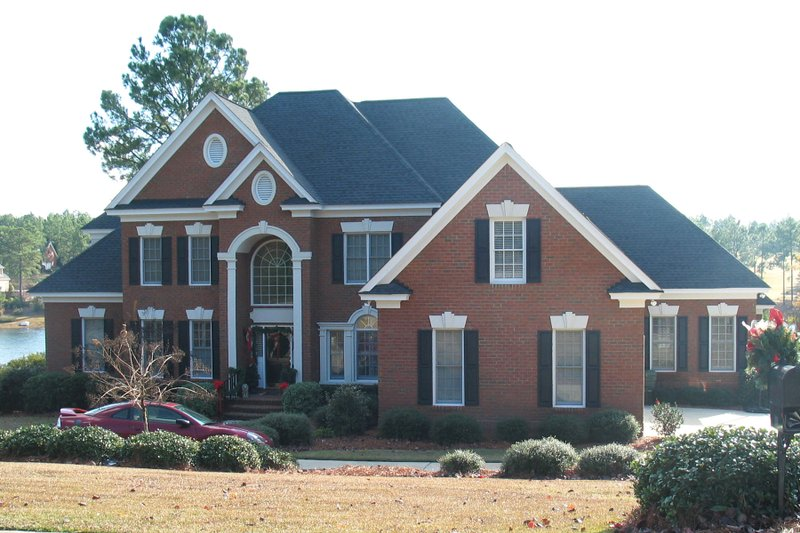 Traditional Style House Plan - 5 Beds 4.5 Baths 3857 Sq/Ft Plan #1054-80 Exterior - Front Elevation