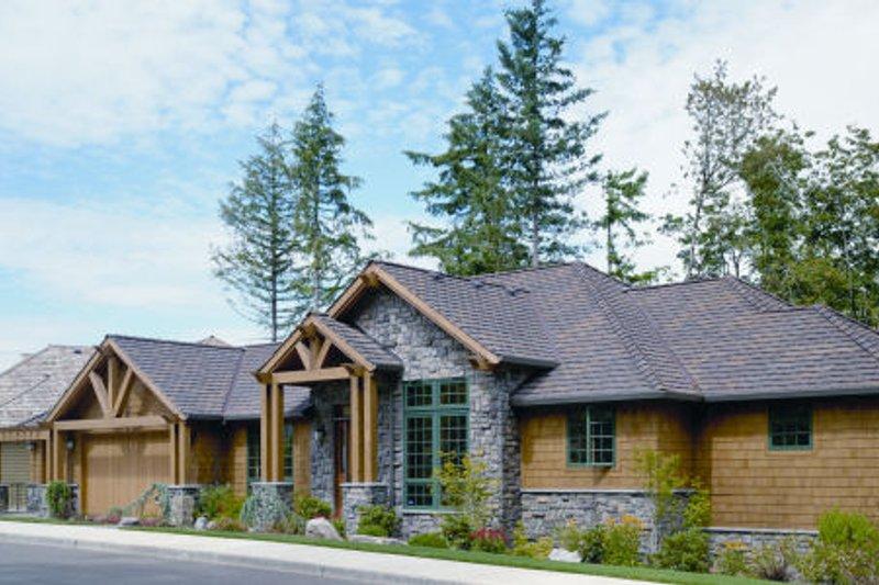 Dream House Plan - Craftsman Exterior - Front Elevation Plan #48-300