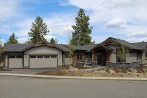 Craftsman Exterior - Front Elevation Plan #895-123