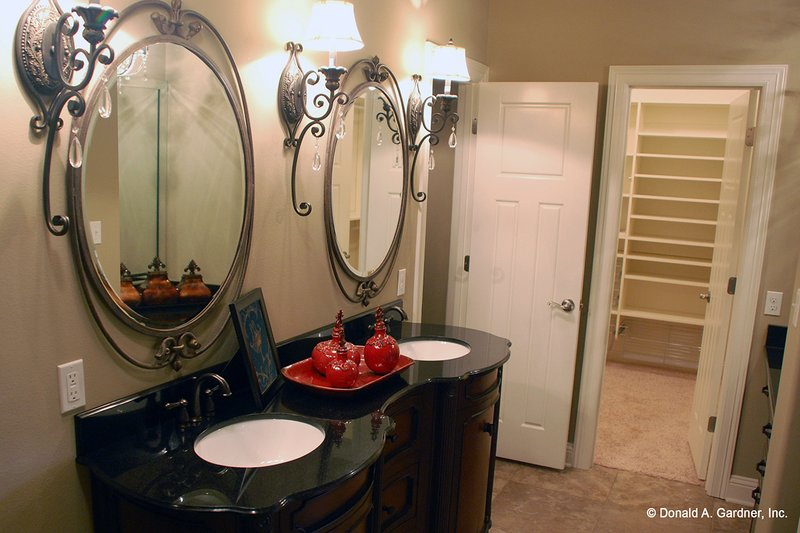 European Interior - Master Bathroom Plan #929-904 - Houseplans.com