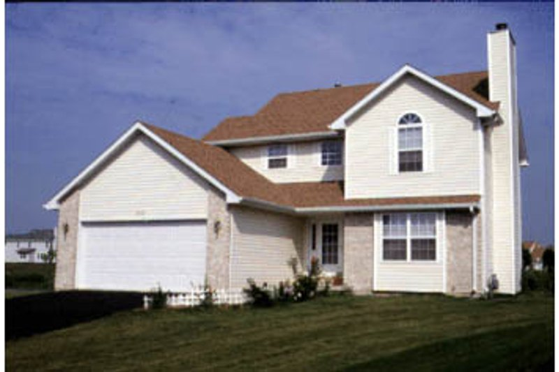 Traditional Exterior - Front Elevation Plan #20-2014 - Houseplans.com