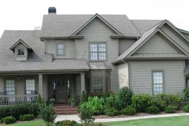 Traditional Style House Plan - 5 Beds 3.5 Baths 2994 Sq/Ft Plan #54-135 Exterior - Front Elevation