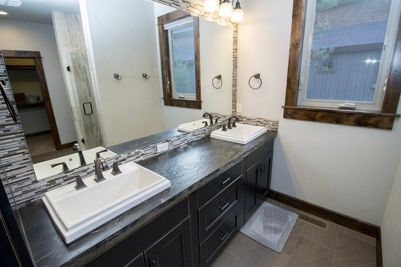 Craftsman Interior - Master Bathroom Plan #892-11 - Houseplans.com