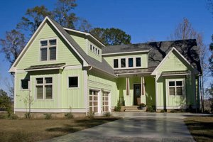 Craftsman Exterior - Front Elevation Plan #921-14