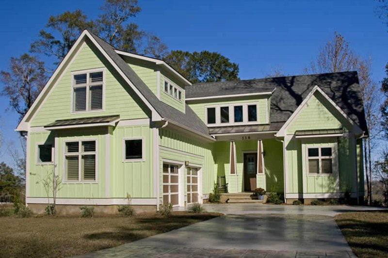 Craftsman Style House Plan - 3 Beds 2.5 Baths 2665 Sq/Ft Plan #921-14 Exterior - Front Elevation