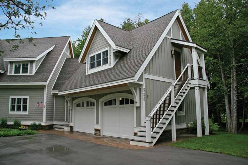 Craftsman Exterior - Front Elevation Plan #928-54 - Houseplans.com